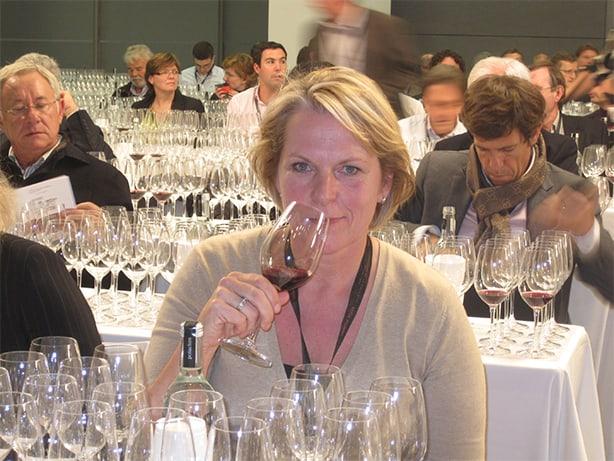 Anne-Wies proeft wijn (garnacha) met Robert Parker in Rioja.