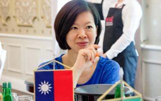 Leona Wang IRC wijnbars Londen
