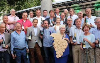 Ambassadrice Limburgse wijn. Limburgse wijnmakers met in hun midden Annaline
