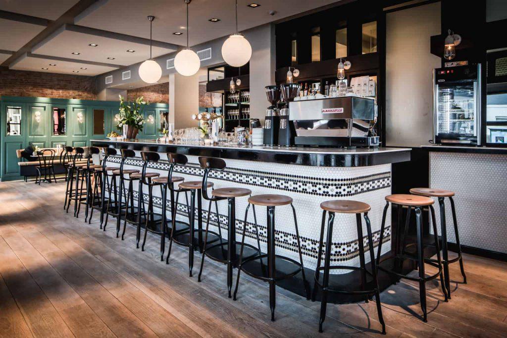Brasserie Nieuw Noord, de prachtige bar (fotocredits Peter Baas)