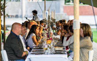 Tafel op Zuid Tafel met gasten. Fotografie Evert Buitendijk