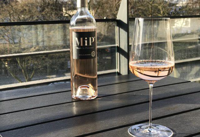 MIP rosé in een Zalto universeel wijnglas