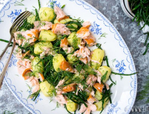 Salade met krieltjes en zalm en Feteasca Regala