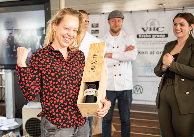 Winnaar Wine Making Challenge Leonie Mooijekind